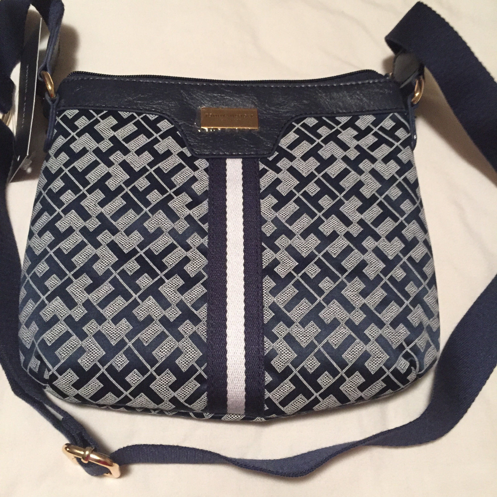 Tommy Hilfiger Women S Crossbody Bag Dark Blue The Net Shop